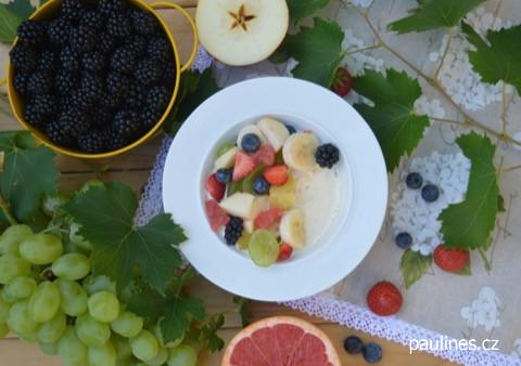 Ovocný salát s vinnou zálivkou