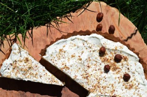 Ořechový hruškový koláč