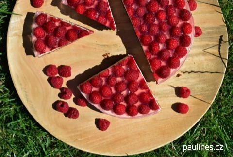 Tvarohový dort s malinami