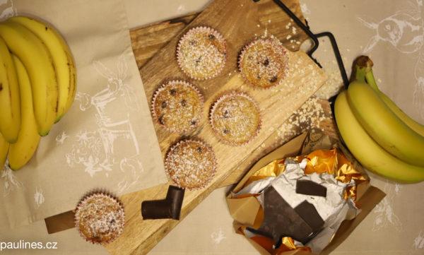 Vločkové muffiny s banánem a čokoládou