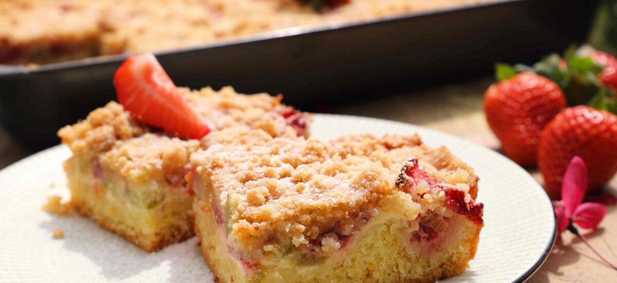 Jahodový, rebarborový koláč